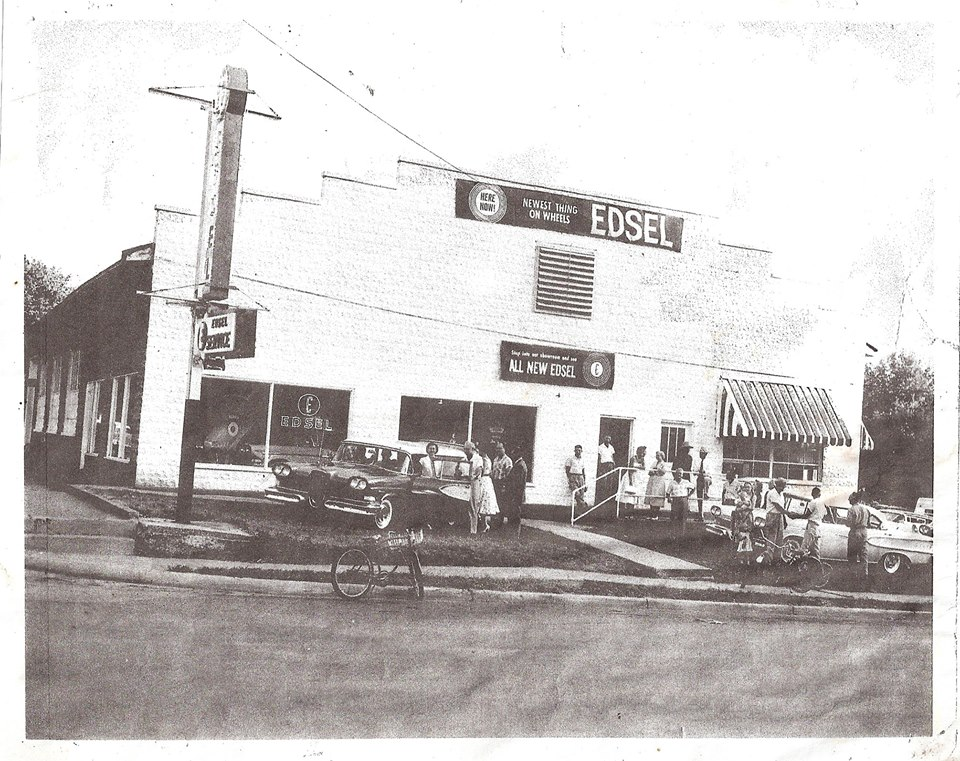 ... Motor Company Cedar and 1st Ave. Winchester Thanks David Fleischer!